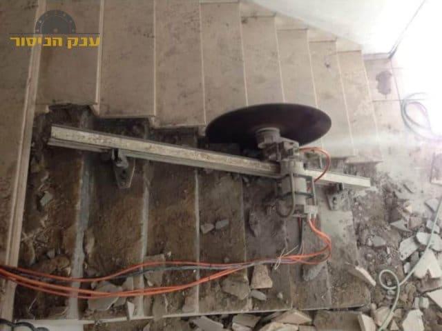 ניסור מדרגות בטון כולל פינוי