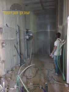 ניסור קיר בטון לפתיחת דלת. צילום: רזי