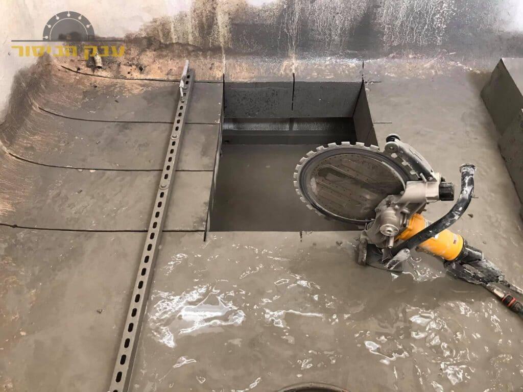 ניסור רצפת בטון בלוד כולל פינוי למכולה
